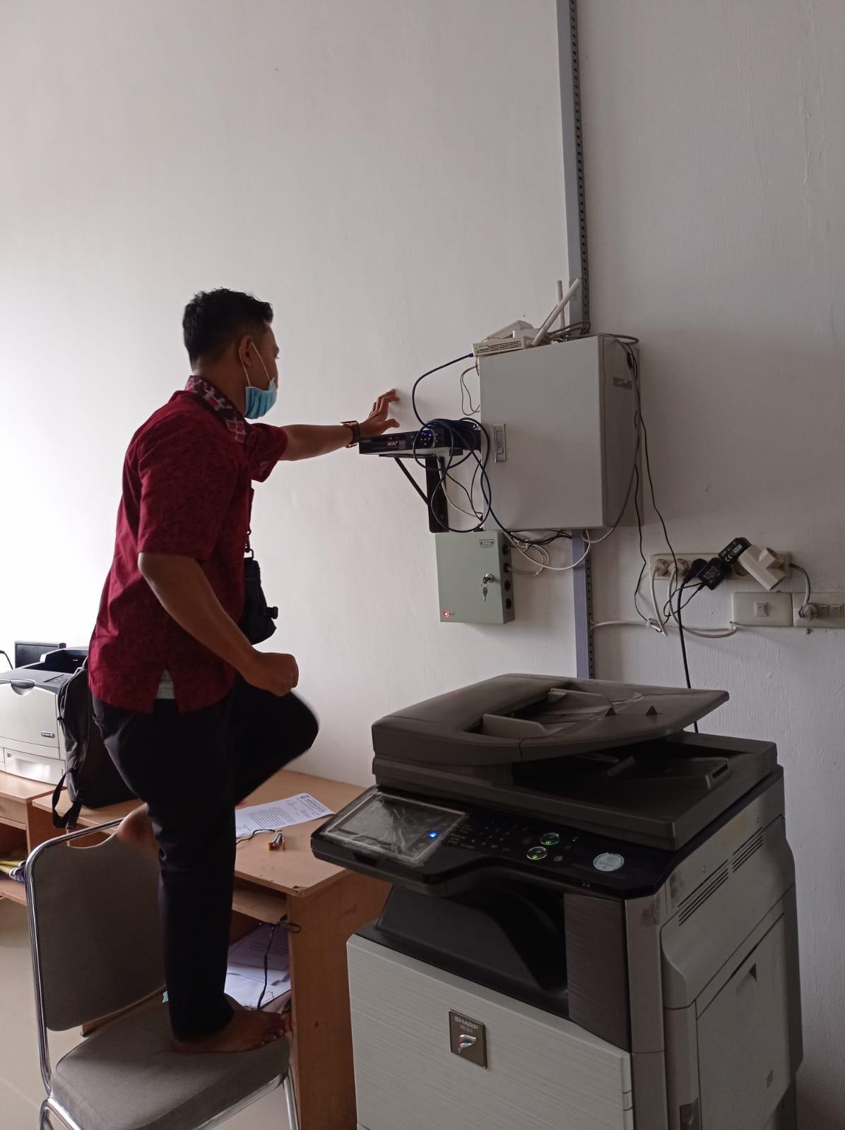 PERBAIKAN CCTV DI INSPEKTORAT