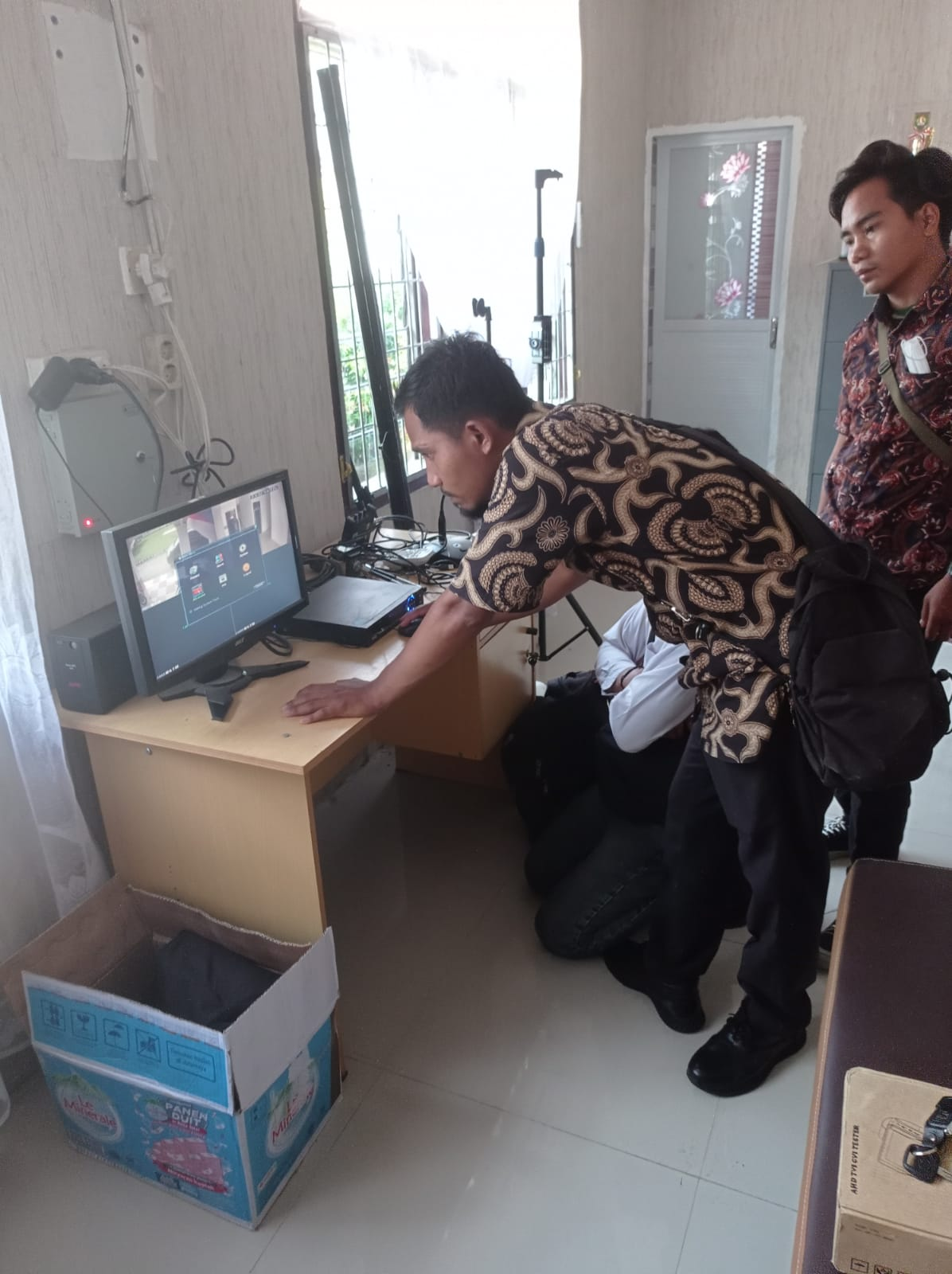 PERBAIKAN KONEKSI JARINGAN INTERNET DAN CCTV DI KECAMATAN AEK KUASAN